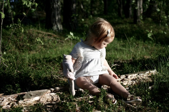 lapsikuva metsässä, turku