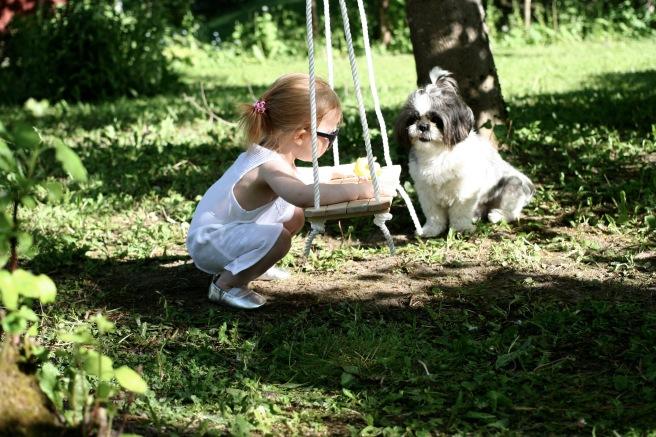 lapsi ja koira