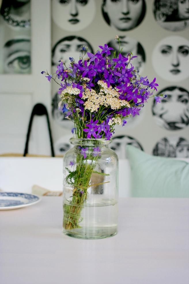kukkakimppu luonnonkukista