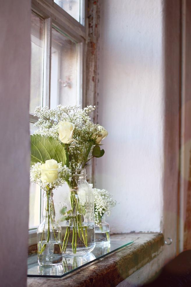 kaunis kukka-asetelma