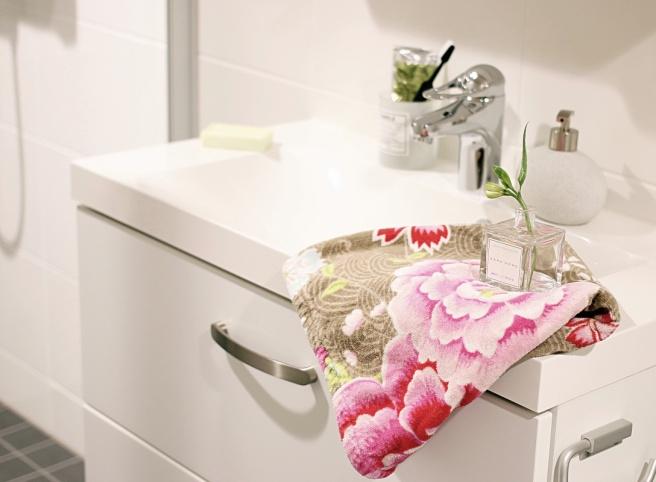 valkoinen kylpyhuone