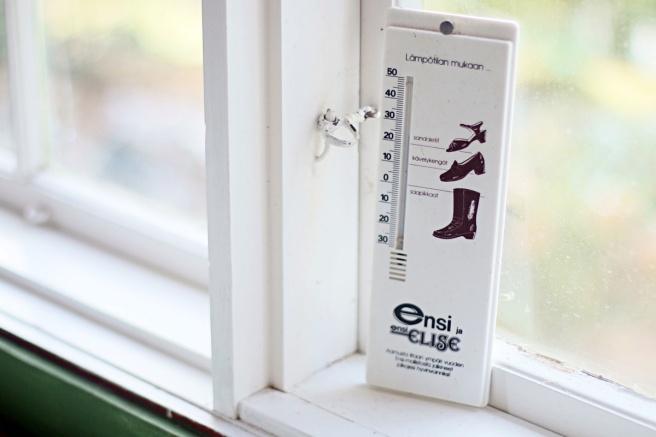 vanha lämpömittari