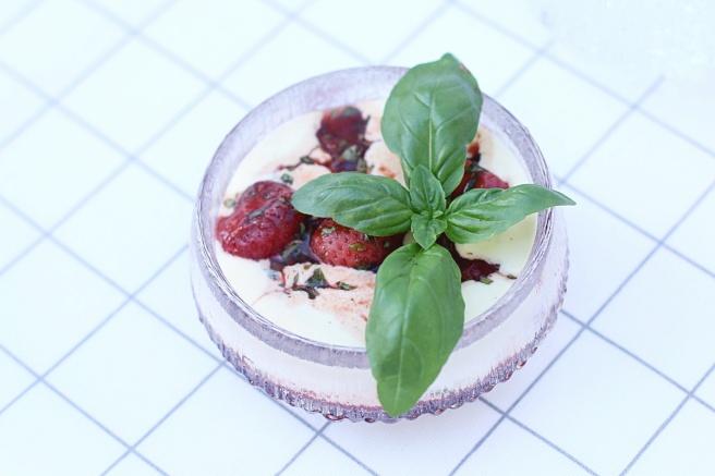 mansikka-basilika-vanilja