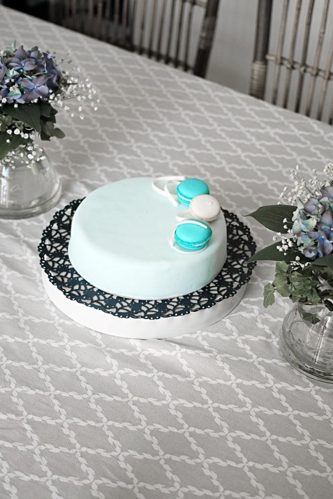 kakku-ristiäisiin-m-bakery