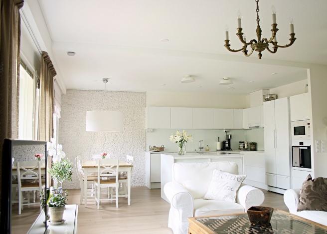 kaunis valkoinen koti